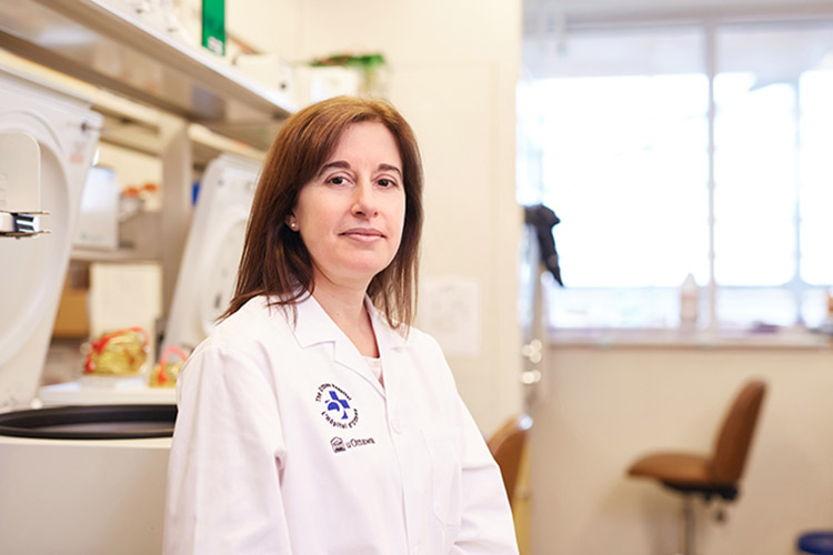 Dr. Carolina llkow in lab
